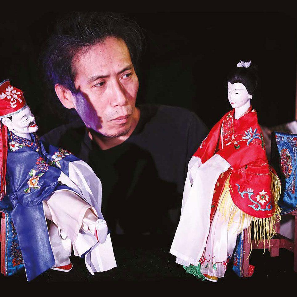 The puppet show-man