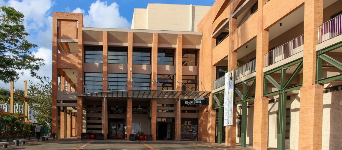Facade Atrium 02